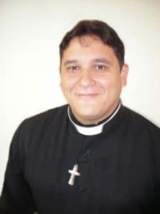Luis-Carlos-Uribe-Medina-perfil-225x300.jpg